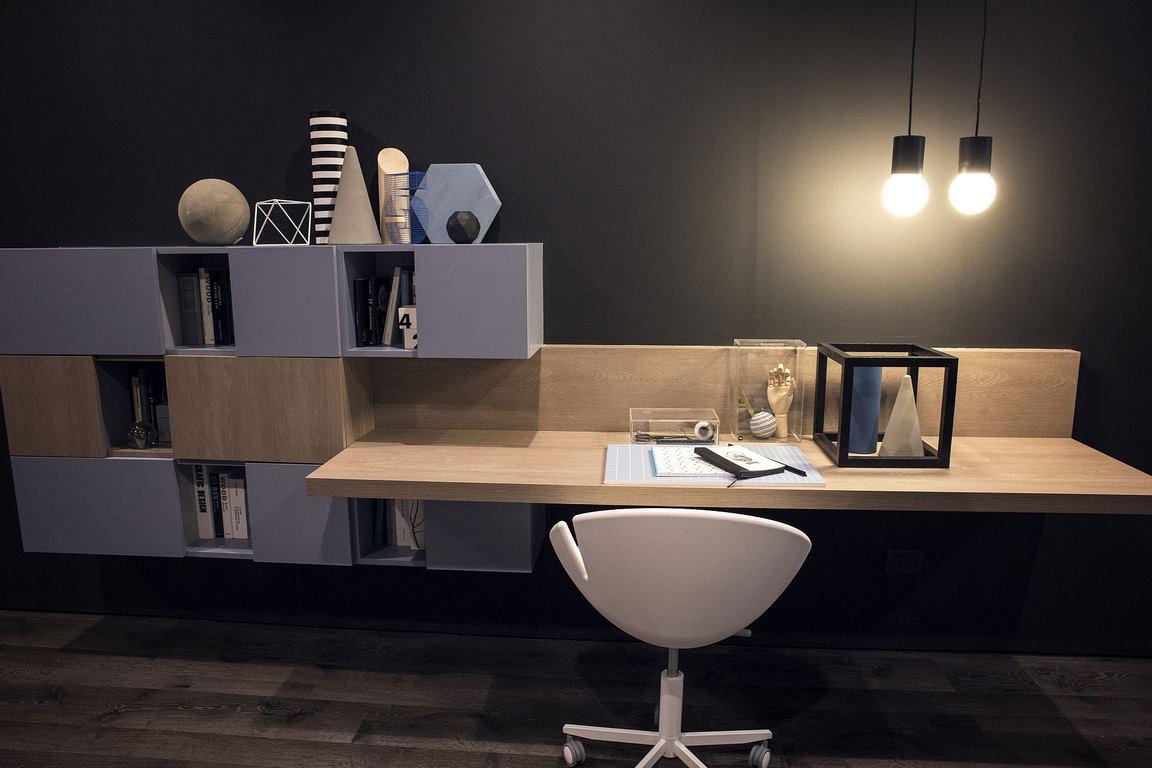 Những mẫu bàn làm việc gọn nhẹ giúp bạn có ngay văn phòng tại nhà